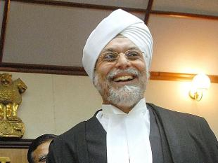 Having done LL.B and LL.M from Punjab University, Chandigarh, Justice Khehar was awarded Gold Medal for securing first position in the university in LL.M examination by Sanjeev Nanda